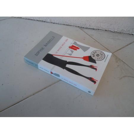 La regina della casa Kinsella Oscar Mondadori 2012 isbn 9788804563860